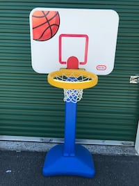 white and blue Little Tikes basketball hoop Waynesboro, 22980