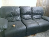 Leatber black couch..recliner San Diego, 92119