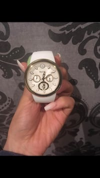 round silver chronograph watch with white leather strap Montréal, H1E
