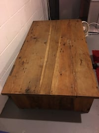 Abercrombie & Fitch coffee table  Columbus, 43221
