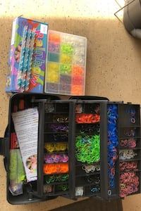 Rainbow loom w/ 2 Containers & Rubber bands Howell, 07731