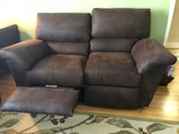 2 Lazyboy reclining Reese la-Z-time leather loveseats Danville, 94526