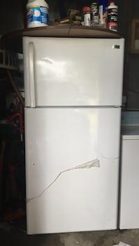 White top-mount refrigerator Fayetteville, 28304