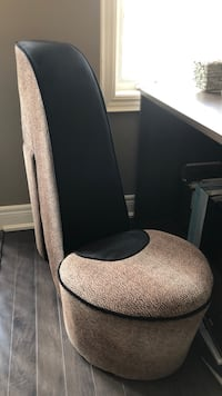 gray and black rolling chair Lincoln, L0R