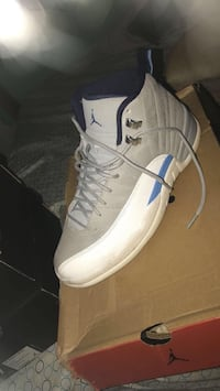 unpaired white and blue Air Jordan 12 shoe Hagerstown, 21740