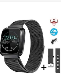 Smart Watch Fitness Tracker w Heart Rate Monitor BRAND NEW 1/2 PRICE