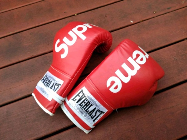 Used Supreme Leather Boxing Gloves Everlast For Sale In Queens - Letgo