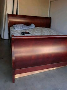 KING SIZE BED AND MATREES boxpring como nuevo