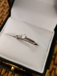 Diamond Ring, round solitaire, 14k white gold