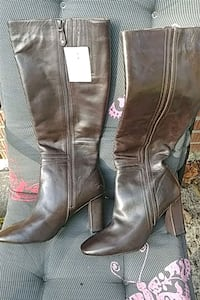 Brown leather Rockport boots Barrie, L4M 0G2