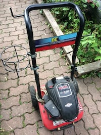 red and black pressure washer Toronto, M1M 2R4