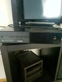 Xbox one for sale. No controller everything works! Woodbury