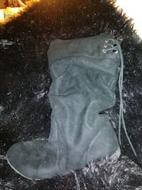pair of black suede boots Antioch, 94509