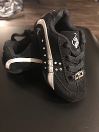 Pair of black-and-white nike sneakers sz 6 Cottonwood Heights, 84121