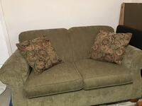 Love Seat and Rug: Like New White Lake Charter Township, 48386