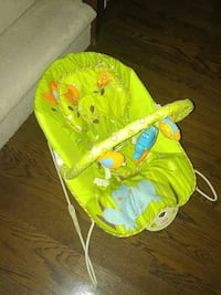 Baby bouncy chair Toronto, M5V 3G3