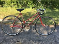 "ladies 10 speed road bike - new tires, brakes and bar tape - 5'2""-5'5"" Toronto, M2J 2Z7"