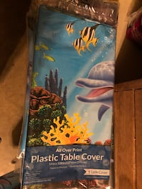 6 Under the sea table cloths..