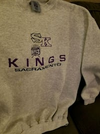 Kings Embroidered Sweatshirt Large $20 Sacramento, 95817