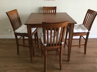 Pub Height Dining Table with 4 Chairs EXCELLENT Condition Arlington, 22202