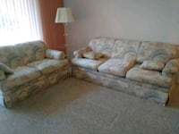 Sofa with pull out bed and love seat Pembroke Pines, 33024