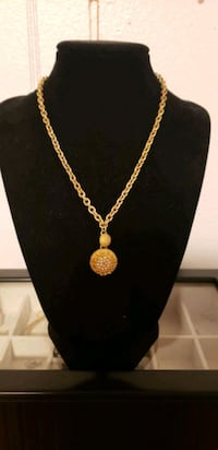 Liz Clairborne Vintage Necklace With Baby Pearls