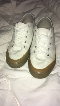 White shoes with gum soles size 10 Omaha, 68130