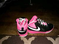 pair of black-and-pink Nike basketball shoes Gaithersburg, 20882