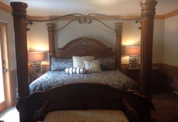 Used Royal Bellagio King Canopy Bed Set For Sale In Dallas Letgo