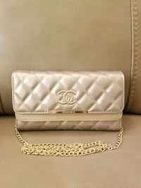 Gold chanel purse with golden chain