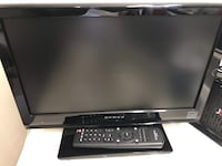 """Excellent approx 15.5"""" flat screen TV w/ remote - perfect for business, bath, dorm, kids Davenport, 52804"""