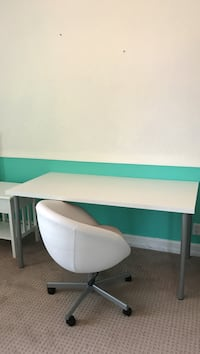 Desk and Chair Plantation, 33325