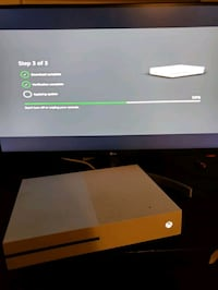 Microsoft Xbox One S (CONSOLE ONLY - DEFECTIVE STUCK ON UPDATE SCREEN)