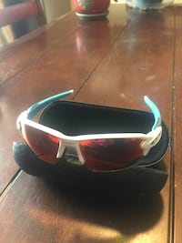 Oakley Flak 2.0 with carrying case Sherwood Park, T8A 3J9