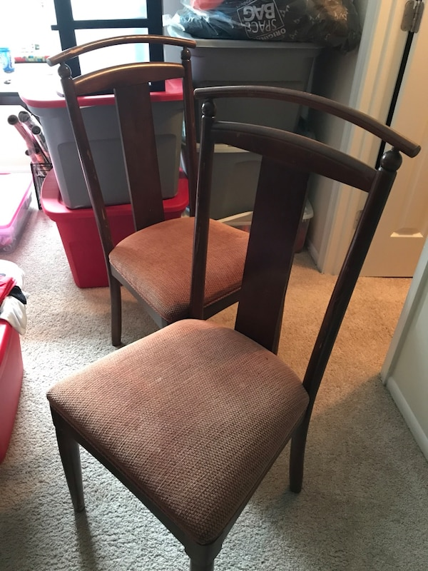 Dinning room chairs. Ethan Allen