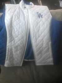 La dodgers vest Lakewood, 90712