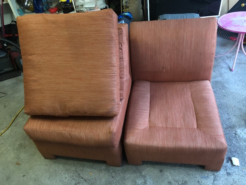 A set of two couches, Couches, sofa 0c1c1cde-8289-438b-80b3-a397cb28e80d