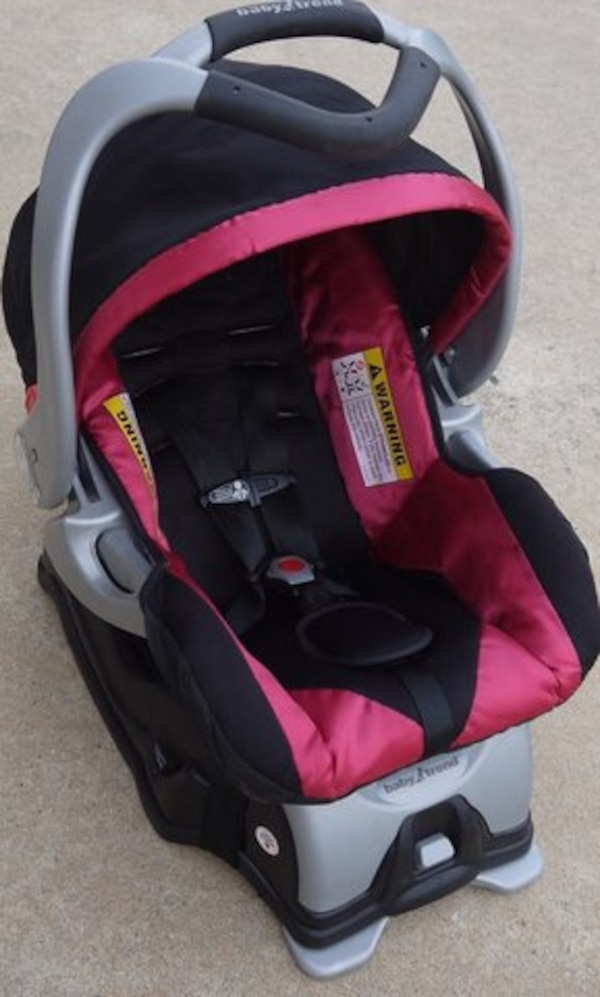 baby's gray,red and black convertible seat