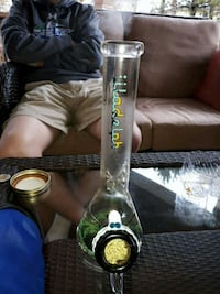 clear glass water bong Kitchener, N2A 3X4