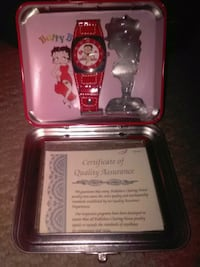 Betty Boop watch in small Betty Boop lunch box  Guelph, N1L 1C4