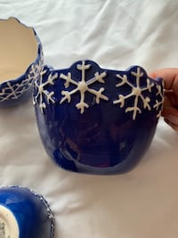 Hand Painted Snowflake Serving Bowl Set Lincoln, 02865