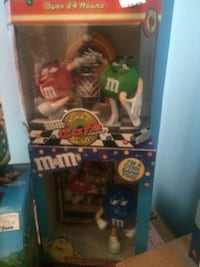 M&m Rock & Roll Cafe $79.99 firm