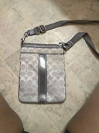 little coach bag. pick up only !! Youngstown, 44510