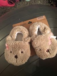 New born baby slippers new never used Woodbury, 08096