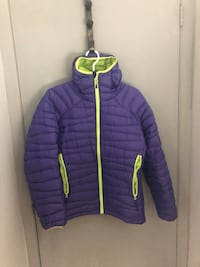 Beautiful spring mountain co-op women's jacket  Hamilton