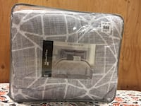 Black Friday deal!! 8 pc Comforter set 30 km