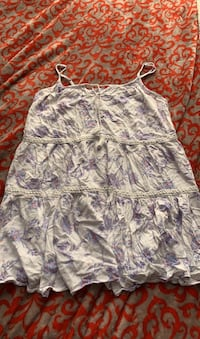 Mudd cute flowy shirt or a dress for a young one size is XL