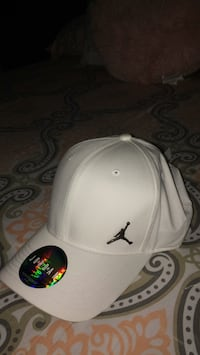 white and black Air Jordan fitted cap Fresno, 93703