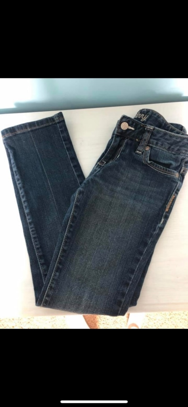 Lot of little girls jeans size 8- justice, old navy, target, Cherokee  8a7301c4-c360-4fab-9211-e8a90277a1be