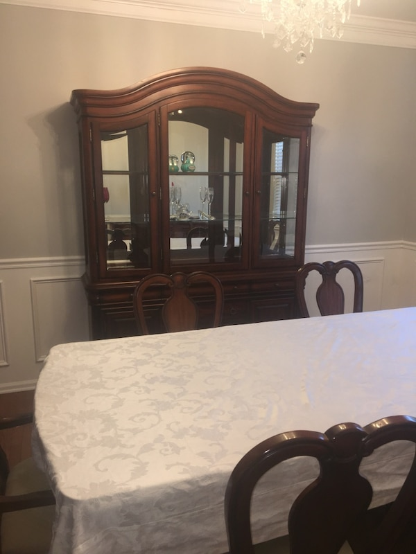 Brukt Dining Room Set Bordeaux 7 Pc Created For Macys Table 6 Queen Anne Side Chairs With China Cabinet And Buffet Server